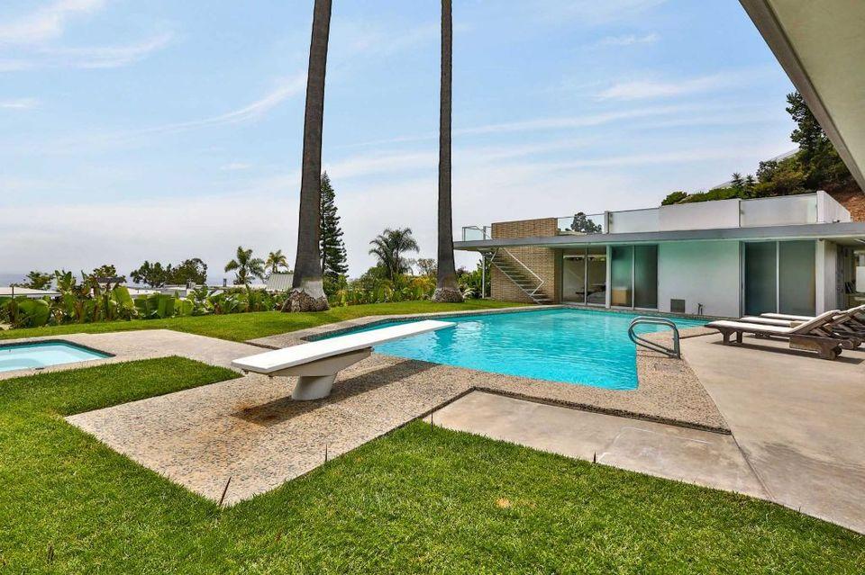 FOTO! Aceasta este vila fabuloasa in care se va muta Madalina Ghenea, dupa casatoria cu Philipp Plein! Casa de lux din Beverly Hills a designerului german a costat 11 milioane de dolari si arata senzational!
