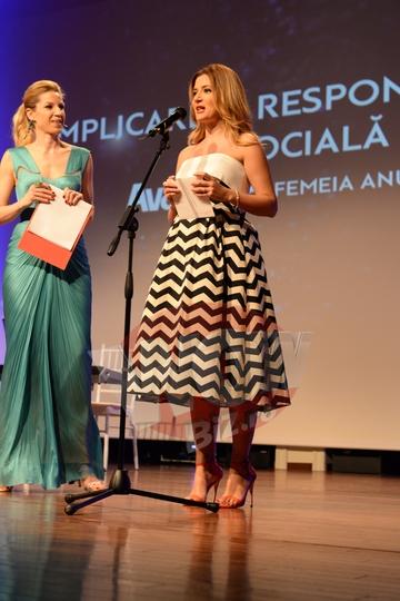 Amalia Enache, pe tocuri de 10 centimetri in cel de-al doilea trimestru de sarcina