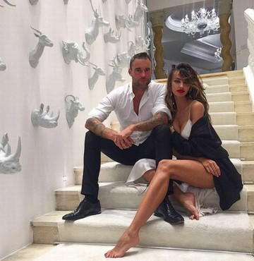 FOTO! Cat de bogat e cu adevarat logodnicul Madalinei Ghenea? Romanca a dat lovitura! Imperiul imobiliar al designerului valoreaza 40 de milioane de dolari! Doar cifra de afaceri a magazinelor lui este de un sfert de miliard de dolari!