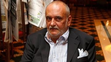 DEZVALUIRI   Dinu Patriciu a murit in 2014, dar inca mai este tarat prin tribunale de catre fiul lui vitreg! Baiatul Danei, ultima sotie a miliardarului, vrea bani de la decedat in contul unor bilete la ordin!
