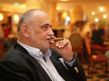 Dinu Patriciu a lasat in urma afaceri falimentare! Firma lui de pariuri are datorii de 10 milioane de euro