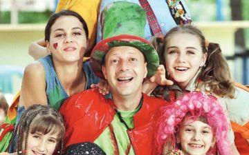 """Scandal intre legendele emisiunilor pentru copii! """"Magicianul"""" Marian Ralea a inregistrat la OSIM numele emisiunii lui Mihai-Gruia Sandu, """"Arlechino""""! Colombina, Abramburica si Vrajitoarea au devenit si ele marci inregistrate"""