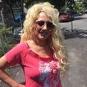 FOTO! Nicoleta Guta a iesit pe strada si nimeni nu a mai recunoscut-o! Manelista a slabit enorm si poarta peruca!