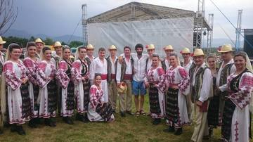 Dupa aventura cu Ioana Popescu, Firicel s-a facut baiat de casa! Toma Cuzin a fost in Gorj impreuna cu sotia si cei doi copii