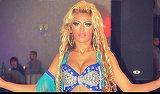 Cristina Pucean, umilita in timpul dansului! Dansatoarea preferata a manelistilor a plecat de urgenta de la petrecere VIDEO
