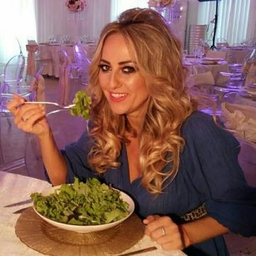 "Florentina Opris ""o demoleaza"" pe Nicoleta Luciu! Bruneta ne recomanda sa mancam o data pe zi ca sa nu ne ingrasam de Sarbatori! Florentina sustine insa ca e o mare greseala! VIDEO EXCLUSIV"