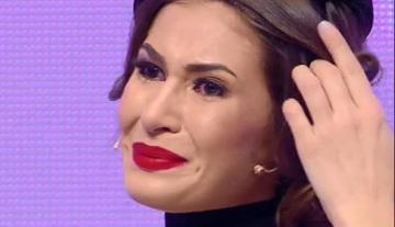 """Cristina Mihaela nu a mai putut suporta si a inceput sa planga! Ce a emotionat-o atat de mult pe concurenta de la """"Bravo, ai stil!"""""""