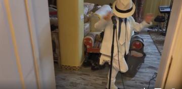 Fiul lui Calin Geambasu il imita perfect pe Michael Jackson! Pustiul are un talent nativ incredibil! Video!