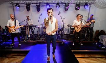 Florin Ristei, una dintre cele mai bune voci masculine din Romania! Doamne, cum canta o melodie de-ale lui Freddie Mercury! Senzational!