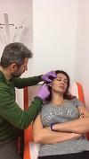 Nicoleta Luciu, injectata in fata in direct! Bruneta s-a lasat filmata ii timp ce esteticianul ii facea o procedura dureroasa. Totul a fost transmis in timp real!