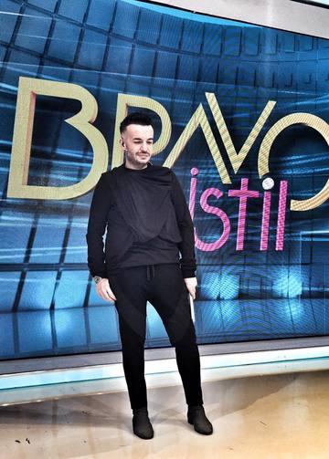 "Razvan Ciobanu impresionat de alegerea si aparitia Alessandrei Stoicescu. ""Hmm, rochia mea…"""
