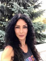 """Reactie fabuloasa din America a Mihaelei Radulescu despre protestele din Piata Victoriei: """"E fantastic de frumos cand romanii lupta umar la umar!"""""""