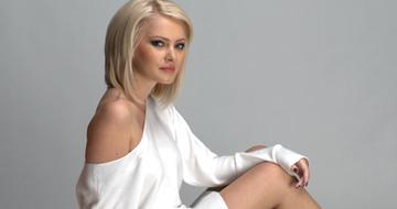Cum arata astazi o fosta prezentatoare tv, care a pozat in Playboy! O mai recunoasteti pe Cristina Dochianu?