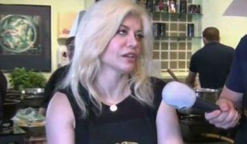 Loredana Groza, talentata si in bucatarie! Cum se descurca vedeta la cratita si ce ii place sa gateasca VIDEO