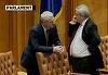 Lui Tariceanu i se revarsa burta peste cureaua pantalonilor! Politicianul iese din iarna cu multe kilograme in plus! FOTO COMPARATIV