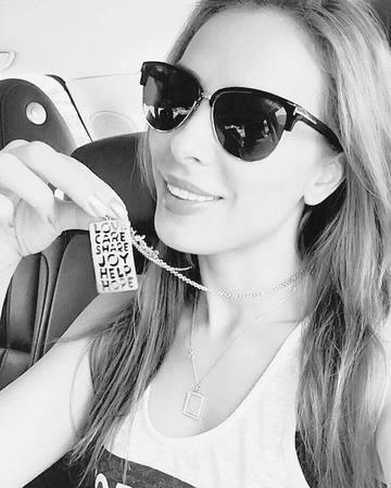 Este oficial? Iulia Vantur, mesaj siropos de dragoste pentru Salman Khan