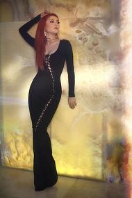 Uite cat de SEXY poate fi Elena Gheorghe! Artista a aratat mai mult decat ar fi trebuit, desi este fata de preot
