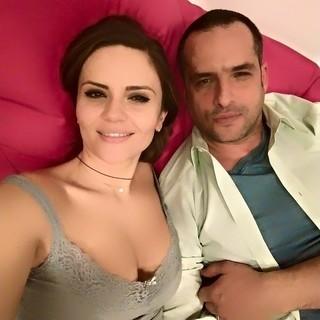 Acasa la Madalin Ionescu si Cristina Siscanu! Cum isi petrec cei doi serile de cand au aflat ca devin parinti?