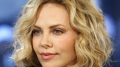 """Iubita noastra actrita Charlize Theron a murit"". Vedeta, victima unei glume de prost gust. Cine o vrea moarta"