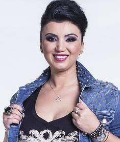Adriana Bahmuteanu vrea sa se marite! Ce s-a intamplat cand mireasa Claudia Ghitulescu a aruncat buchetul!