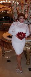 Mihaela Borcea a luat din nou proportii, dar nu e complexata! Afacerista poarta rochii mulate pe trup FOTO!