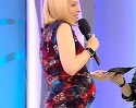 Zici ca sta sa nasca! Cat de mult s-a rotunjit Simona Gherghe, in luna a sasea de sarcina! Cand s-a ridicat de pe scaun si si-a aratat burta, publicul a ramas fara grai