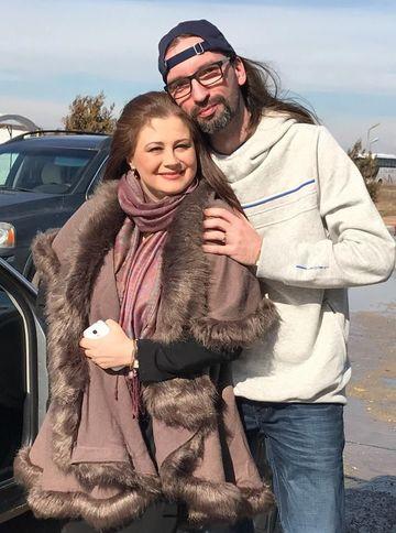 """Intalnire emotionanta intre Corina Danila si fiul unui mare cantaret de muzica populara: """"Mi-ai facut o mare bucurie ca te-ai oprit sa ne salutam!"""""""