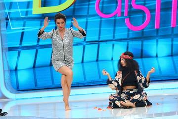 """Incredibil! Graviduta Ilinca Vandici, intr-un picior la """"Bravo, ai stil!"""" Uite ce figuri de yoga face in emisiunea de azi, de la 16.30, la Kanal D"""