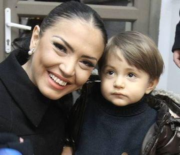 Fotografie superba cu David, baietelul Andreei Mantea! Juniorul iti va smulge si tie un zambet