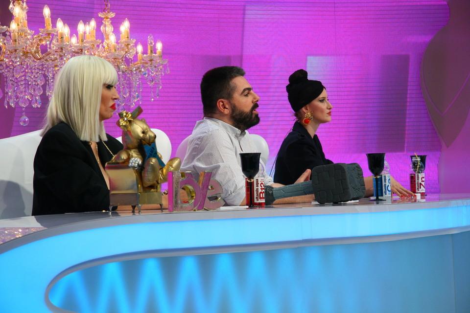 """Raluca Badulescu se stramba la vederea tinutei unei concurente! """"Te-ai straduit doar ca sa-ti iasa fasaiala asta?"""" Cum arata aceasta vedeti azi, la """"Bravo, ai stil!, de la 16.30, la Kanal D"""