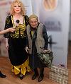 Oana Lis, la un pas sa fie jefuita de cadourile primite de ziua ei! Blonda s-a invatat minte si si-a luat masuri de precautie: si-a pus bunica de paza langa maldarul de daruri! VIDEO EXCLUSIV
