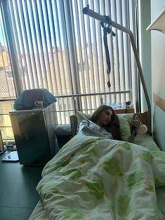 """Prima fotografie cu Denisa Despa, dansatoarea manelistilor, de pe patul de spital! """"Deja am inceput sa plang"""""""