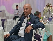 Parastas cat o nunta pentru Fane Spoitoru, la un an de la moartea sa! Prietenii s-au strans la mormant si i-au cantat melodii de jale! VIDEO!
