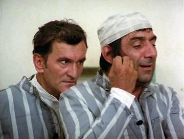 """La 20 de ani de la moartea lui Puiu Calinescu, mormantul marelui actor pare dat uitarii! Fata artistului a povestit ultimele clipe din viata acestuia: """"Era inconjurat de asistente, le spunea glume si din senin a facut un stop respirator. A murit cum si-a"""