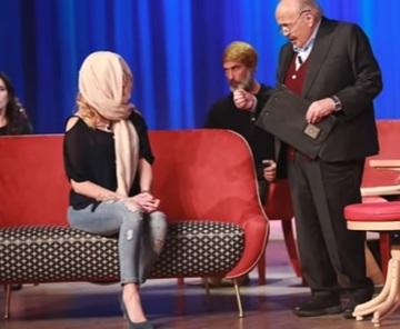 """O prezentatoare TV, desfigurată de iubit: """"Vreau să vedeţi ce mi-a făcut. Asta nu este iubire!"""" E terifiant cum a ajuns să arate"""