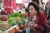 """Cea mai batrana mama din Romania traieste din pensie impreuna cu fiica ei! Ce suma primeste lunar mama in varsta de 79 de ani, pentru anii petrecuti la catedra! """"Comparativ cu a altora, pensia mea este frumusica. Slava Domnului, ne descurcam!"""" EXCLUSIV"""