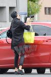 Adelina, pentru cine ai cumparat flori? Bruneta a luat un ditamai ghiveciul si a plecat la o intalnire importanta VIDEO EXCLUSIV