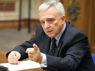 Baiatul lui Mugur Isarescu se razboieste in continuare cu Politia! Costin a contestat o noua amenda rutiera incasata