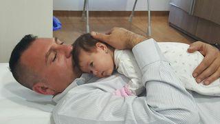 "Bebelusul lui Christian Sabbagh a scapat ca prin minune de boala cumplita: ""E o fetita luptatoare, ca taticul ei"". Vezi cum se simte micuta | EXCLUSIV"