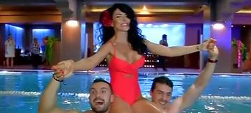 WOW, WOW, ce apariţie! Andreea Mantea, incredibil de sexy în costum de baie! Cât de bine arată vedeta