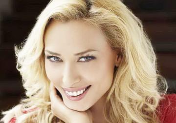 """Hainele au tradat-o, iar burtica s-a vazut! Iulia Vantur a raspuns la intrebarea de pe buzele tuturor: """"Sunt fericita!"""""""