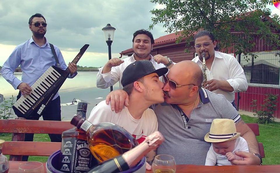 Imagini fabuloase de pe domeniul lui Nutu Camataru, de la Snagov! Gest socant: Nutu isi saruta fiul pe gura! Manelistul Copilul de Aur a filmat aici un videoclip