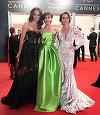 Apariţie surpriză pe covorul roşu de la Cannes! Laura Cosoi şi-a surprins total prietenii virtuali