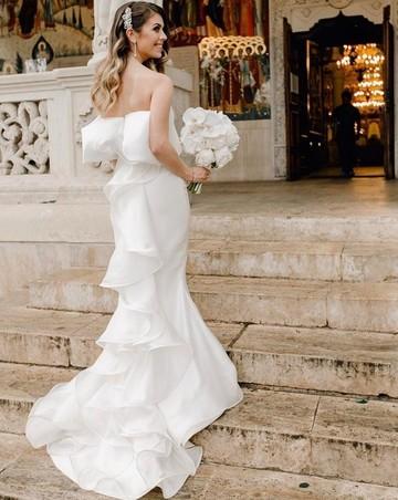 Nunta în secret în familia Elenei Gheorghe! Ce rochie a purtat sora cântăreţei în ziua cea mare