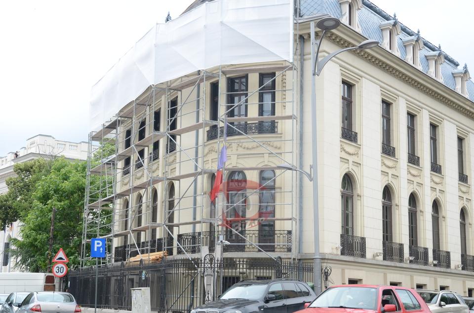 In aceasta vila de 10 milioane de euro se va muta Madalina Ghenea impreuna cu fiica si cu iubitul. Imobilul este acum in renovare   FOTO EXCLUSIV!