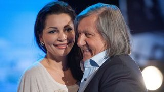 Ilie Nastase i-a facut un cadou fabulos sotiei sale, dupa ce Brigitte i-a scris o scrisoare de dragoste! Vedeta le-a aratat tuturor ce a primit