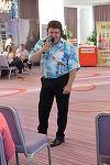 """Cum arata acum Adrian Romcescu, unul dintre cantaretii iubiti in anii """"80! A cantat la un eveniment monden Video!"""