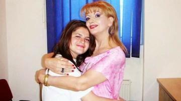 """Fata adoptiva a lui Ileana Ciuculete, reactie dura despre ce se intampla cu Denisa: """"Si pe mine ma enervau cand ii faceau poze Ilenei in sicriu"""""""