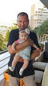 Sabbagh va petrece trei zile si trei nopti, la malul Dunarii, la botezul fetitei lui! Avem programul fabulos pe care l-a pregatit invitatilor. Intra sa vezi cu ce bunatati se vor delecta cei prezenti si ce surprize le-a pregatit prezentatorul Stirilor Kan