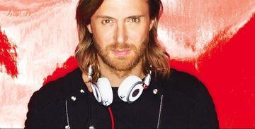 Ea este iubita extrem de sexy a celui mai cunoscut DJ din lume ! David Guetta i-a daruit partenerei un inel superb